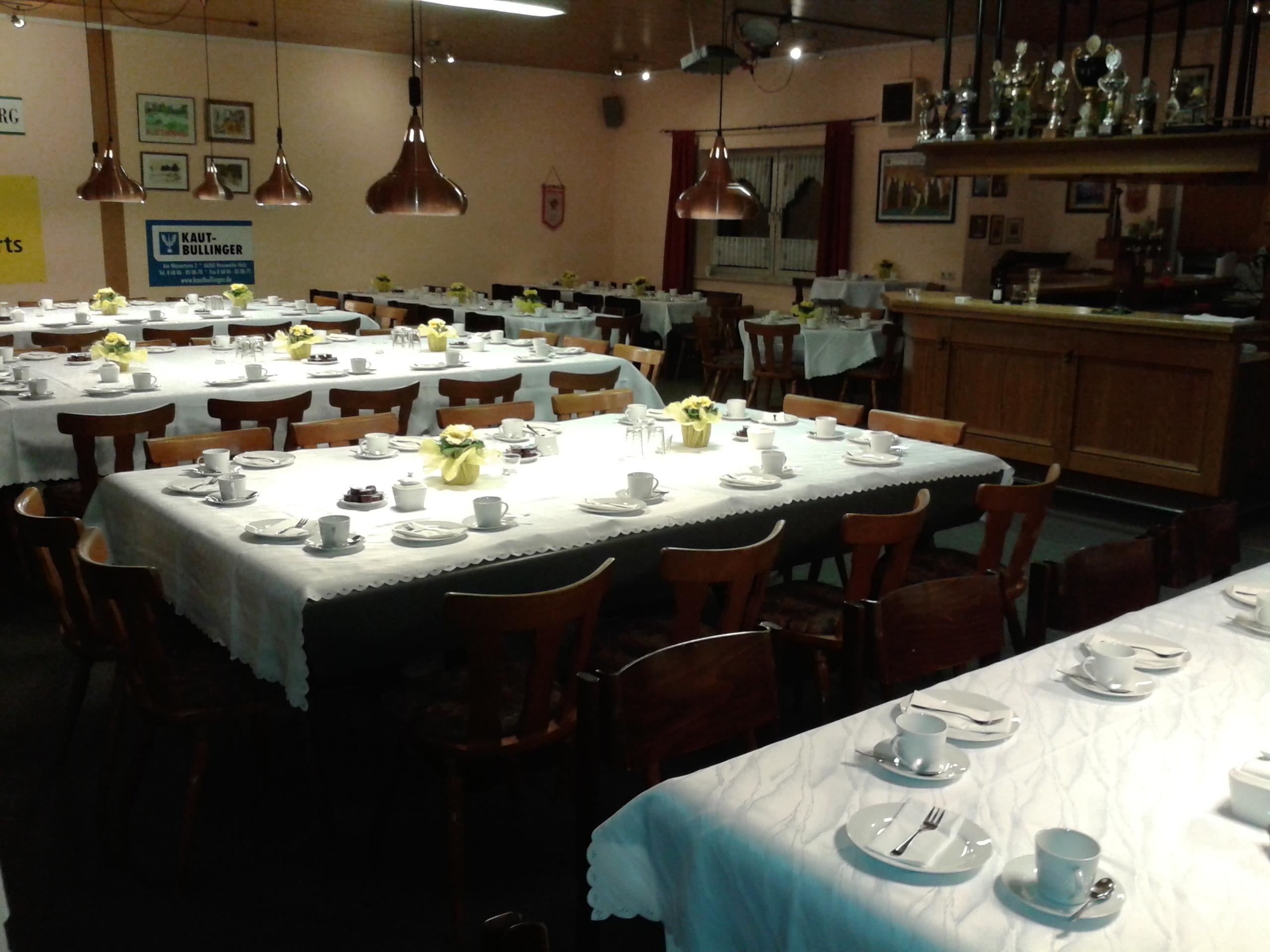 Gedeckter Tisch im Clubheim des BCE